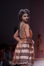Model walks the ramp for Rehane Show at Wills Lifestyle India Fashion Week 2013 Day 5 in Mumbai on 17th March 2013 (96).JPG