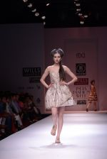 Model walks the ramp for Rehane Show at Wills Lifestyle India Fashion Week 2013 Day 5 in Mumbai on 17th March 2013 (97).JPG