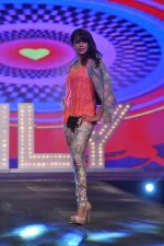 Genelia Deshmukh walk for Bestseller brands Jack & Jones, Vero Moda and ONLY in Mumbai on 20th March 2013 (30).JPG