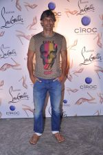 Milind Soman at the launch of Christian Louboutin store launch in Fort, Mumbai on 20th March 2013 (75).JPG