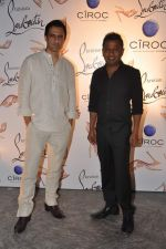Sanjay Suri, Onir at the launch of Christian Louboutin store launch in Fort, Mumbai on 20th March 2013 (68).JPG