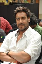 Ajay Devgan at Earth Hour event in Andheri, Mumbai on 22nd March 2013 (11).JPG