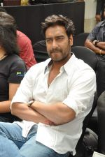 Ajay Devgan at Earth Hour event in Andheri, Mumbai on 22nd March 2013 (8).JPG