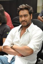Ajay Devgan at Earth Hour event in Andheri, Mumbai on 22nd March 2013 (9).JPG