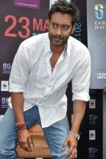 Ajay Devgan at Earth Hour event in Andheri, Mumbai on 22nd March 2013 (1).JPG