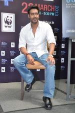 Ajay Devgan at Earth Hour event in Andheri, Mumbai on 22nd March 2013 (37).JPG