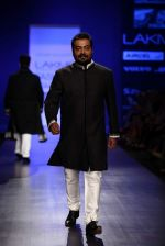Anurag Kashyap walk the ramp for Manish Malhotra Show at Lakme Fashion Week 2013 Day 1 in Grand Hyatt, Mumbai on 22nd March 2013 (13).JPG