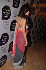 Esha Gupta at Manish Malhotra Show at Lakme Fashion Week 2013 Day 1 in Grand Hyatt, Mumbai on 22nd March 2013 (110).JPG