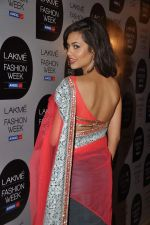 Esha Gupta at Manish Malhotra Show at Lakme Fashion Week 2013 Day 1 in Grand Hyatt, Mumbai on 22nd March 2013 (111).JPG