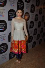 Karisma Kapoor at Manish Malhotra Show at Lakme Fashion Week 2013 Day 1 in Grand Hyatt, Mumbai on 22nd March 2013 (96).JPG