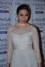 Karisma Kapoor at Manish Malhotra Show at Lakme Fashion Week 2013 Day 1 in Grand Hyatt, Mumbai on 22nd March 2013 (103).JPG