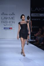 Model walk the ramp for Arpan Vohra Show at Lakme Fashion Week 2013 Day 1 in Grand Hyatt, Mumbai on 22nd March 2013 (136).JPG