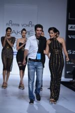 Model walk the ramp for Arpan Vohra Show at Lakme Fashion Week 2013 Day 1 in Grand Hyatt, Mumbai on 22nd March 2013 (51).JPG