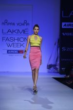 Model walk the ramp for Arpan Vohra Show at Lakme Fashion Week 2013 Day 1 in Grand Hyatt, Mumbai on 22nd March 2013 (64).JPG