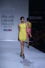 Model walk the ramp for Arpan Vohra Show at Lakme Fashion Week 2013 Day 1 in Grand Hyatt, Mumbai on 22nd March 2013 (70).JPG