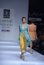 Model walk the ramp for Rehane Show at Lakme Fashion Week 2013 Day 1 in Grand Hyatt, Mumbai on 22nd March 2013 (85).JPG