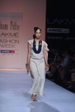 Model walk the ramp for Suhani Pittie Show at Lakme Fashion Week 2013 Day 1 in Grand Hyatt, Mumbai on 22nd March 2013 (17).JPG