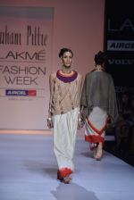 Model walk the ramp for Suhani Pittie Show at Lakme Fashion Week 2013 Day 1 in Grand Hyatt, Mumbai on 22nd March 2013 (45).JPG