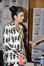 Parineeti Chopra on Day 1 at Lakme Fashion Week 2013 in Grand Hyatt, Mumbai on 22nd March 2013 (99).JPG