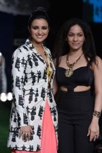 Parineeti Chopra walk the ramp for Masaba Show at Lakme Fashion Week 2013 Day 1 in Grand Hyatt, Mumbai on 22nd March 2013 (12).JPG