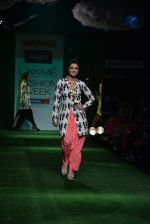Parineeti Chopra walk the ramp for Masaba Show at Lakme Fashion Week 2013 Day 1 in Grand Hyatt, Mumbai on 22nd March 2013 (18).JPG