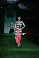 Parineeti Chopra walk the ramp for Masaba Show at Lakme Fashion Week 2013 Day 1 in Grand Hyatt, Mumbai on 22nd March 2013 (19).JPG