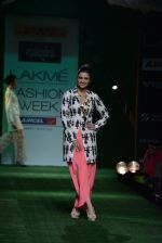 Parineeti Chopra walk the ramp for Masaba Show at Lakme Fashion Week 2013 Day 1 in Grand Hyatt, Mumbai on 22nd March 2013 (40).JPG
