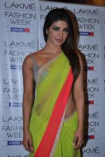 Priyanka Chopra at Manish Malhotra Show at Lakme Fashion Week 2013 Day 1 in Grand Hyatt, Mumbai on 22nd March 2013 (121).JPG