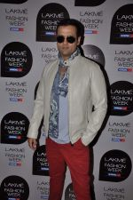 Rohit Roy on Day 1 at Lakme Fashion Week 2013 in Grand Hyatt, Mumbai on 22nd March 2013 (114).JPG