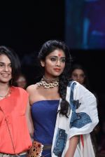 Shriya Saran walk the ramp for Asmita Marwa Show at Lakme Fashion Week 2013 Day 1 in Grand Hyatt, Mumbai on 22nd March 2013 (124).JPG