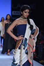 Shriya Saran walk the ramp for Asmita Marwa Show at Lakme Fashion Week 2013 Day 1 in Grand Hyatt, Mumbai on 22nd March 2013 (139).JPG