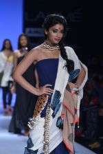 Shriya Saran walk the ramp for Asmita Marwa Show at Lakme Fashion Week 2013 Day 1 in Grand Hyatt, Mumbai on 22nd March 2013 (140).JPG