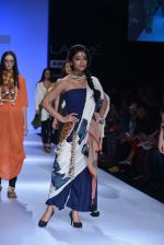 Shriya Saran walk the ramp for Asmita Marwa Show at Lakme Fashion Week 2013 Day 1 in Grand Hyatt, Mumbai on 22nd March 2013 (141).JPG
