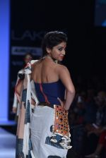 Shriya Saran walk the ramp for Asmita Marwa Show at Lakme Fashion Week 2013 Day 1 in Grand Hyatt, Mumbai on 22nd March 2013 (143).JPG