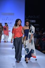 Shriya Saran walk the ramp for Asmita Marwa Show at Lakme Fashion Week 2013 Day 1 in Grand Hyatt, Mumbai on 22nd March 2013 (147).JPG
