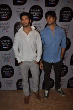 Varun Dhawan at Manish Malhotra Show at Lakme Fashion Week 2013 Day 1 in Grand Hyatt, Mumbai on 22nd March 2013 (65).JPG
