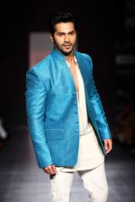Varun Dhawan walk the ramp for Manish Malhotra Show at Lakme Fashion Week 2013 Day 1 in Grand Hyatt, Mumbai on 22nd March 2013 (107).JPG