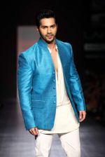 Varun Dhawan walk the ramp for Manish Malhotra Show at Lakme Fashion Week 2013 Day 1 in Grand Hyatt, Mumbai on 22nd March 2013 (113).JPG