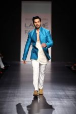 Varun Dhawan walk the ramp for Manish Malhotra Show at Lakme Fashion Week 2013 Day 1 in Grand Hyatt, Mumbai on 22nd March 2013 (109).JPG