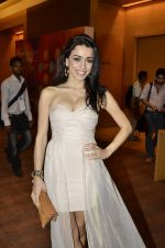 at Manish Malhotra Show at Lakme Fashion Week 2013 Day 1 in Grand Hyatt, Mumbai on 22nd March 2013 (44).JPG