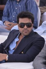 Ram Charan Teja at Delna Poonawala fashion show for Amateur Riders Club Porsche polo cup in Mumbai on 23rd March 2013 (136).JPG