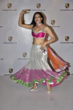 Sofia Hayat at Delna Poonawala fashion show for Amateur Riders Club Porsche polo cup in Mumbai on 23rd March 2013 (10).JPG