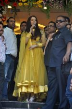 Aishwarya Rai Bachchan inaugurates Kalyan jewellers in Thane, Mumbai on 24th March 2013 (13).JPG