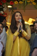 Aishwarya Rai Bachchan inaugurates Kalyan jewellers in Thane, Mumbai on 24th March 2013 (16).JPG