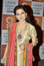 Juhi Chawla at Vikram Phadnis Show at Lakme Fashion Week 2013 Day 4 in Grand Hyatt, Mumbai on 25th March 2013 (180).JPG
