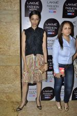 Munisha Khatwani at Vikram Phadnis Show at Lakme Fashion Week 2013 Day 4 in Grand Hyatt, Mumbai on 25th March 2013 (105).JPG