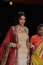 Neha Dhupia  walk the ramp for Vikram Phadnis Swades Show at Lakme Fashion Week 2013 Day 4 in Grand Hyatt, Mumbai on 25th March 2013(148).JPG