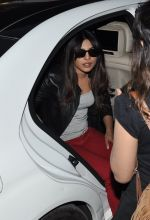 Priyanka Chopra returns from hyderabad in Mumbai Airport on 25th March 2013 (1).JPG