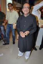Ghulam Ali at Ghulam Ali_s book launch in Crossword, Mumbai on 26th March 2013 (75).JPG
