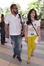 Bunty Walia leave for charity match in Delhi Airport on 30th March 2013 (19).JPG